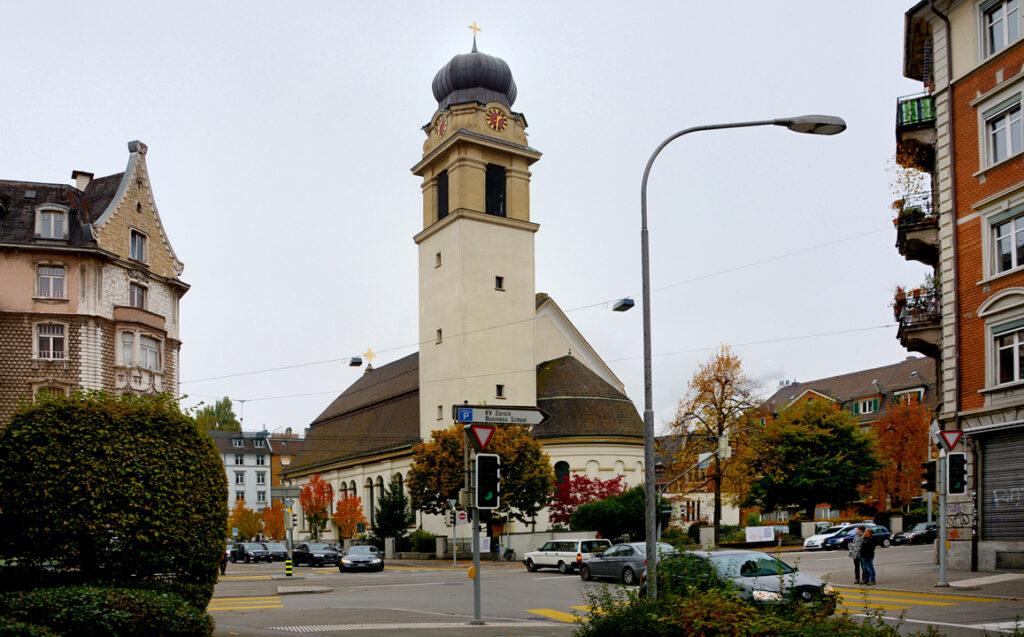 02 Ankunft bei der Kirche St. Josef