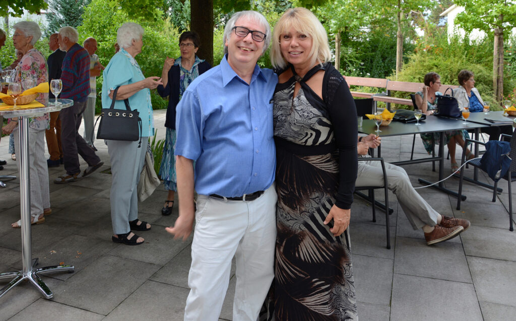06 Alfredo mit der Organisitn, Frau Wehrli