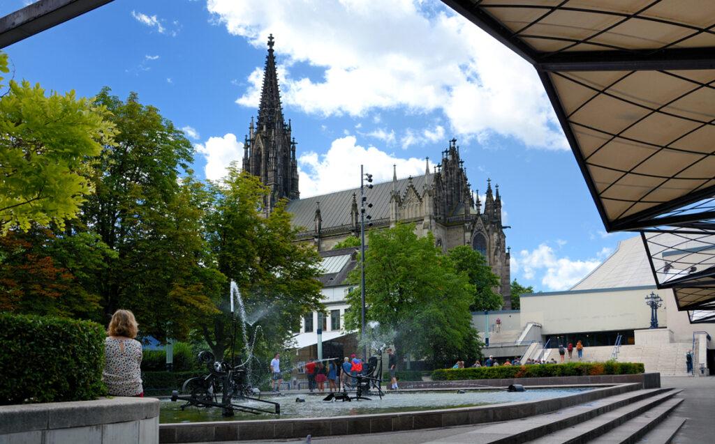 08 Wasserspiele und Elisabethenkirche