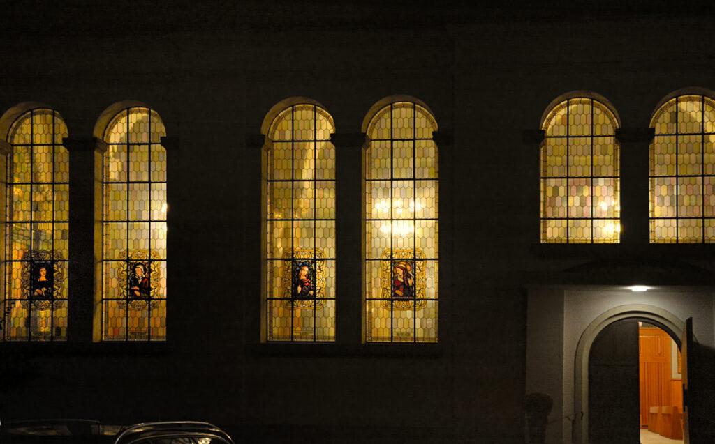 24 Kirchenfenster von St. Josef