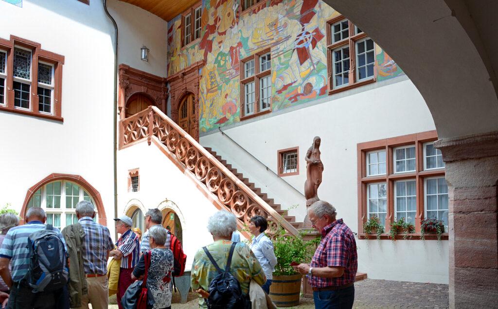 28 im Rathaushof