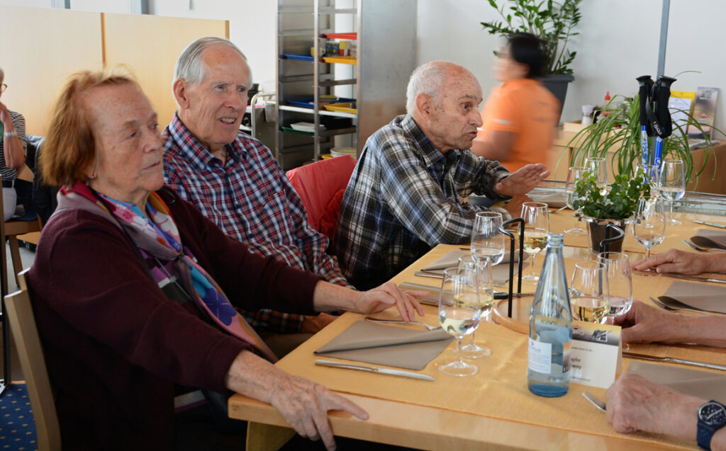 33 Gisela, Gustav und Georges