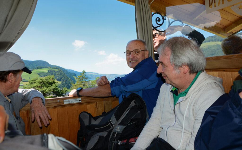 52 Ruedi, Edi und Alfredo in der Standseilbahn